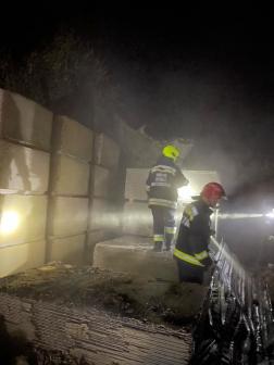 A tűz oltását a katasztrófavédelmi műveleti szolgálat vezette